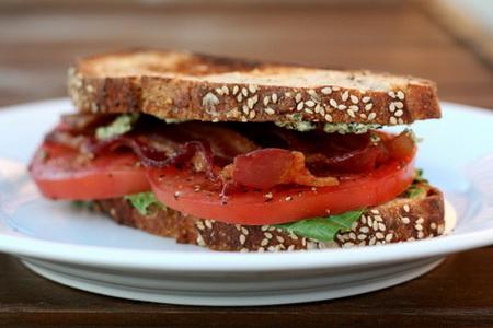 Sandwich-kep-thit-muoi_16.09.14_1