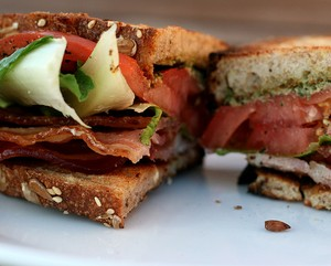 Sandwich-kep-thit-muoi_16.09.14_6