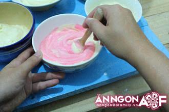 banh cupcake cau vong 04.09.14 11 Cách làm bánh cupcake cầu vồng