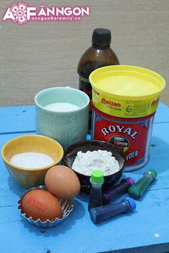 banh cupcake cau vong 04.09.14 2 Cách làm bánh cupcake cầu vồng