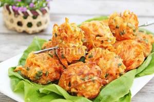 Banh carot 20.11.14 7 Hướng dẫn làm bánh cà rốt chiên giòn