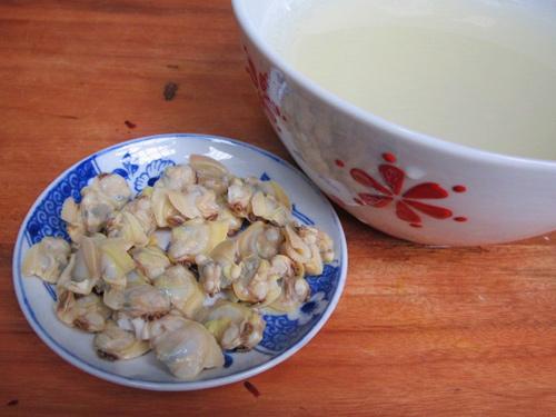 1418694756-canh-kim-chi-nau-ngao-dau2