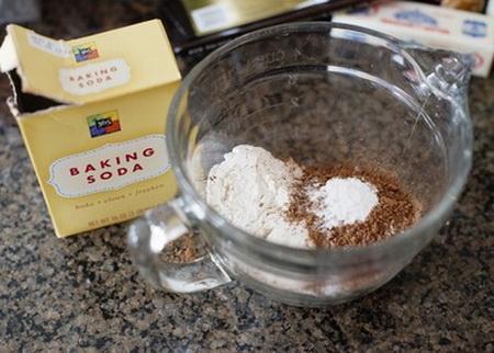 mat-min-xop-mem-mon-banh-flan-chocolate-2