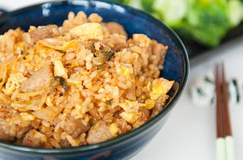 com-chien-kimchi-23-9-6