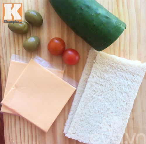 banh-sandwich-cay-thong_25.12.15_1