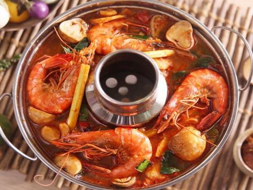 cach-lam-lau-thai-chua-cay-hap-dan-cuoi-tuan-11