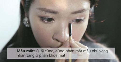 7-buoc-don-gian-de-co-lop-trang-diem-ngot-ngao-dung-kieu-huong-mua-he-14