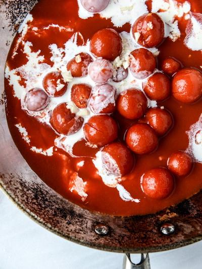 cach-lam-spaghetti-sot-ca-chua-bi-ma-khong-dung-spaghetti-3