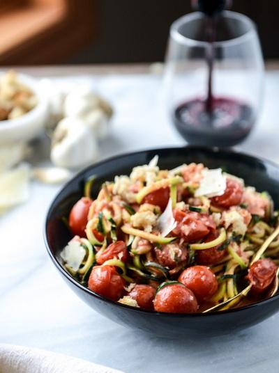 cach-lam-spaghetti-sot-ca-chua-bi-ma-khong-dung-spaghetti-7