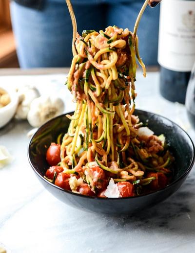 cach-lam-spaghetti-sot-ca-chua-bi-ma-khong-dung-spaghetti-9