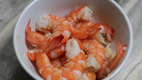 cach-lam-salad-bo-tom-dep-dang-dep-da-cho-phai-dep-3