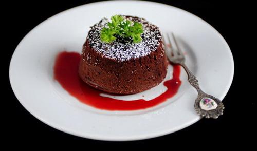 cong-thuc-lam-banh-chocolate-lava-cake-thom-ngon-quyen-ru-7