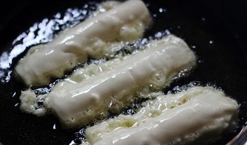 huong-dan-lam-banh-sau-rieng-chien-gion-cuc-la-mieng-5