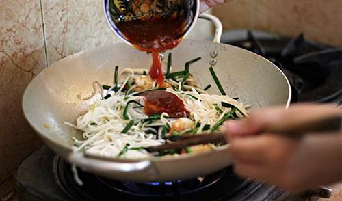 pad-thai-mon-pho-xao-chua-ngot-de-lam-ma-cuc-ngon-4